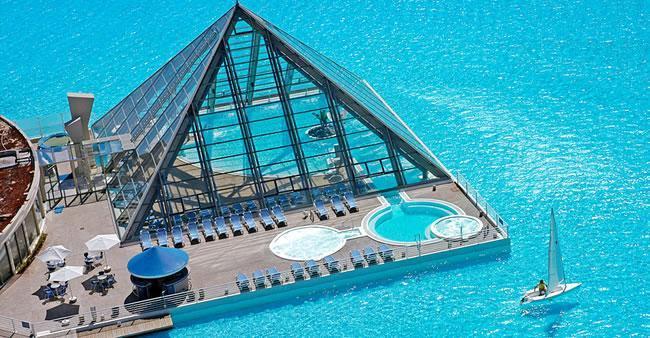 As 31 piscinas mais exóticas do Planeta