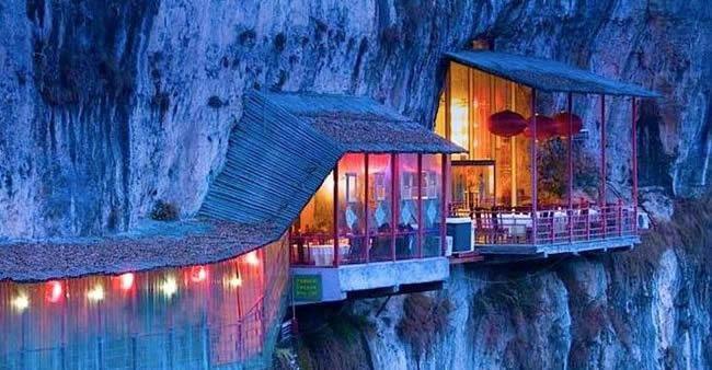 35 restaurantes com vistas espetaculares ao redor do mundo. O #25 vai te deixar de boca aberta!