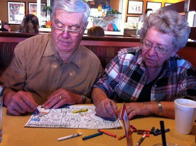 awebic-casal-idosos-se-divertindo-10