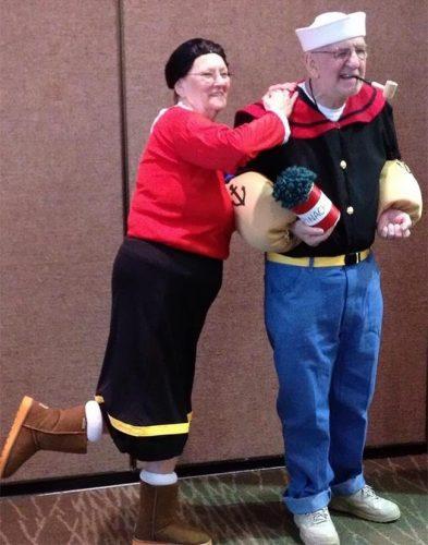 awebic-casal-idosos-se-divertindo-11