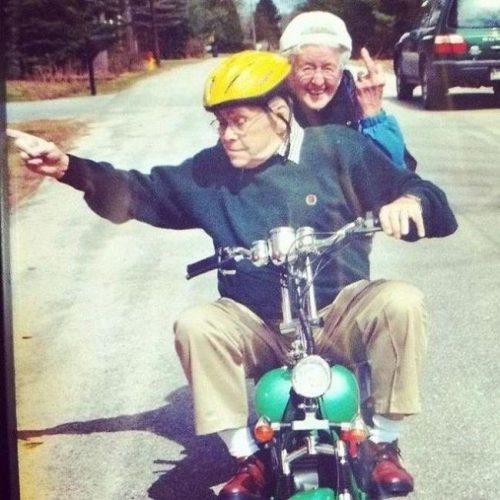 awebic-casal-idosos-se-divertindo-9