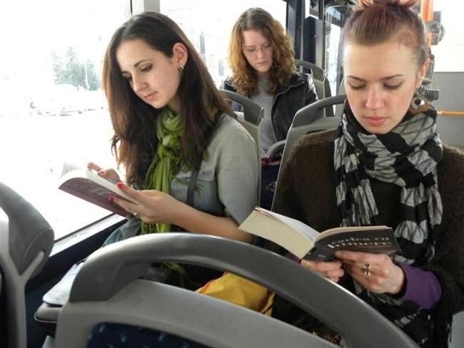 cidade-romenia-livros-onibus-gratis-1