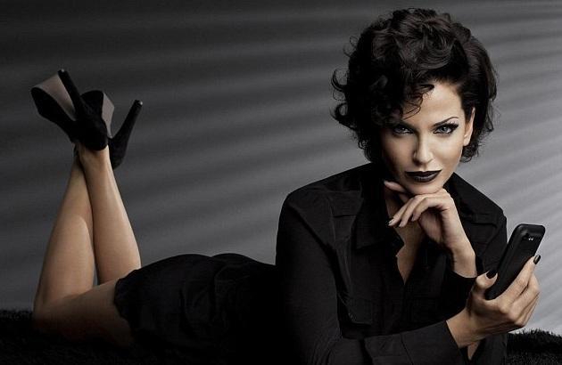 mulher de preto 2