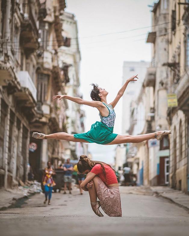 awebic-bailarinos-cuba-1