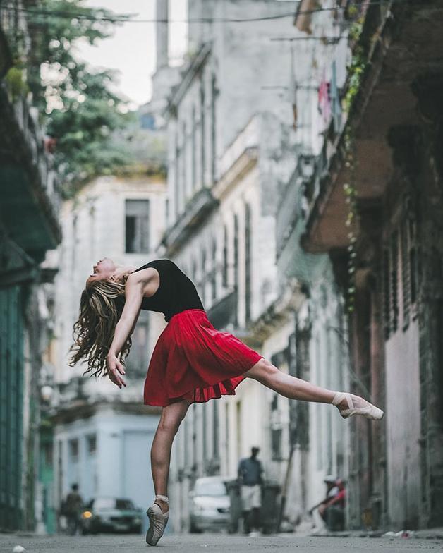 awebic-bailarinos-cuba-3