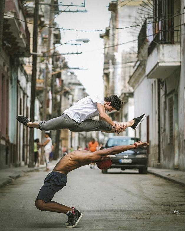 awebic-bailarinos-cuba-4