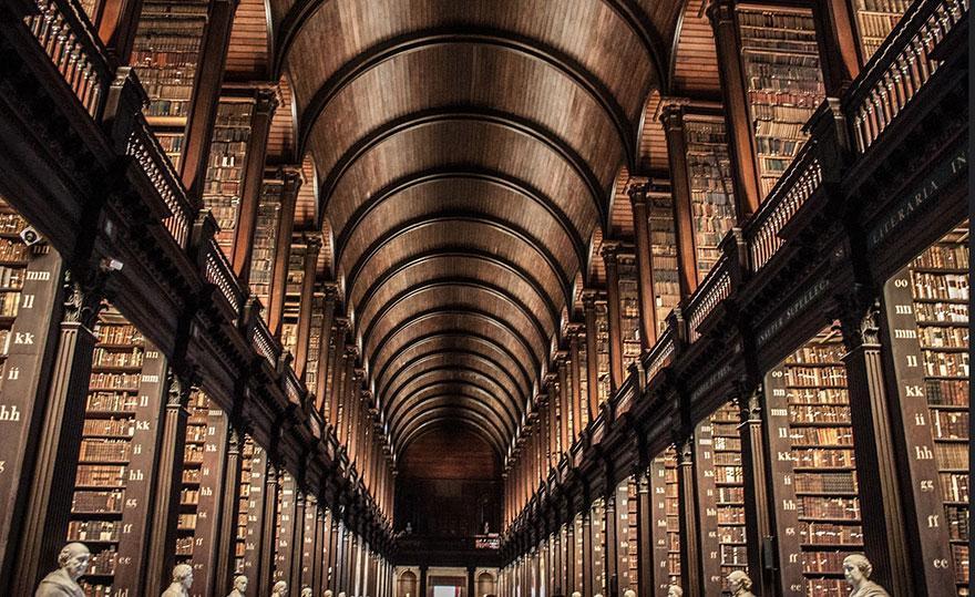 trinity-college-long-room-library-dublin-2