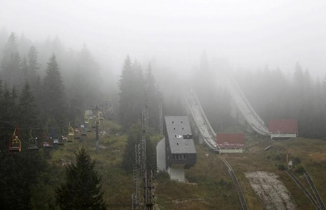 the-abandoned-ski-jump-at-mount-igman (640x412)