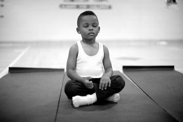 educar meditar