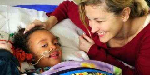 Garota sofria de falência dos rins, até que sua professora a salvou