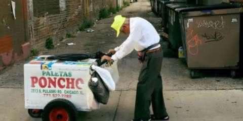 Campanha arrecada $250 mil para ajudar vendedor de sorvete de 89 anos