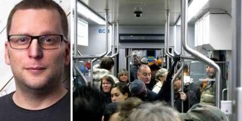 Homem é rude com passageiro no metrô e aprende o que é carma no mesmo dia