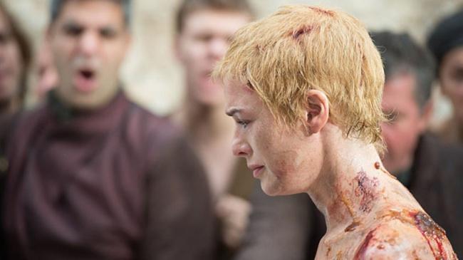 Cersei durante a caminhada da vergonha