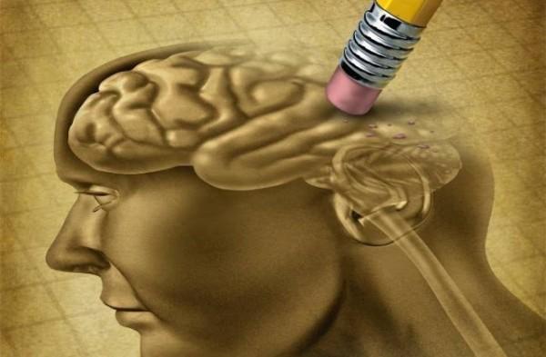 Desenho do cérebro humano sendo apagado