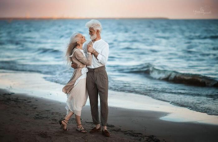 Fotos De Casal De Idosos Mostram Que O Amor Não Tem Idade