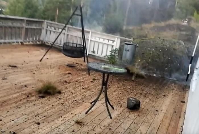 Homem filma tempestade (2)