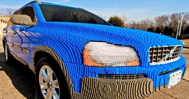 Escultura de Lego - Volvo