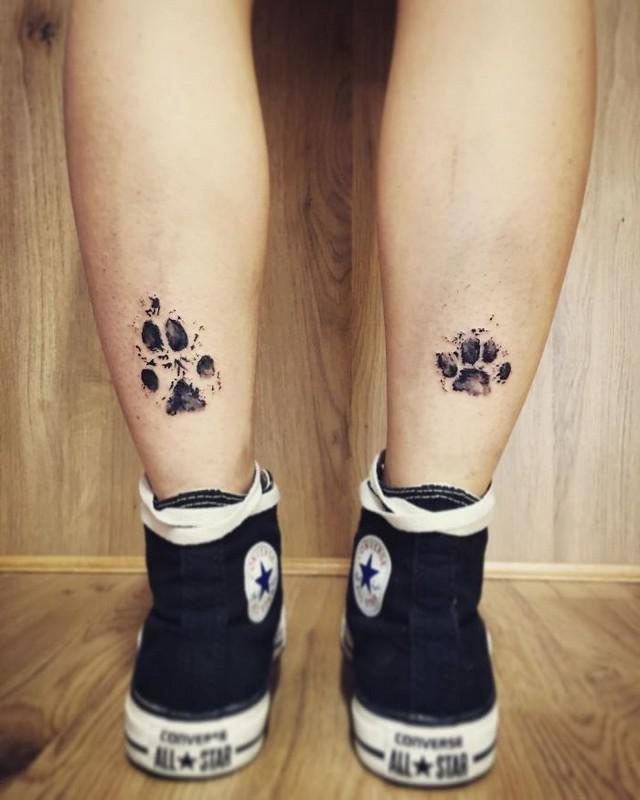 Donos Estão Tatuando A Pata De Seus Cães E O Resultado é