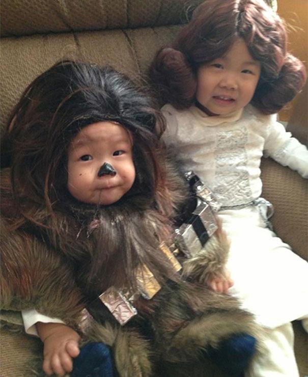Bebês em fantasias de Halloween 15