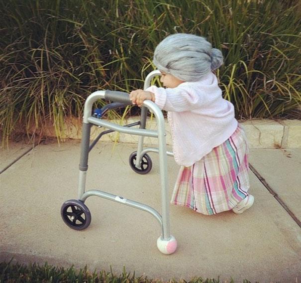Bebês em fantasias de Halloween 3