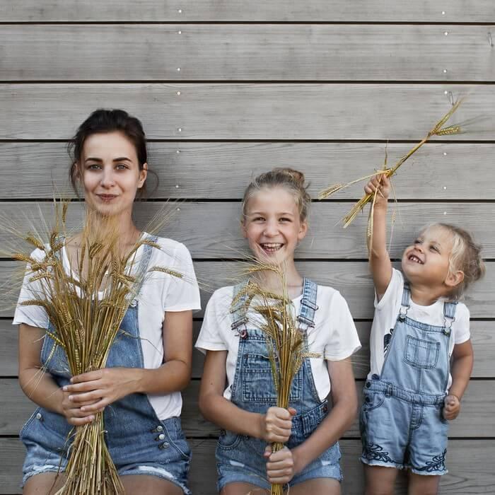 Mãe e filhas em fotos divertidas (23)