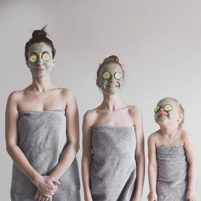 Mãe e filhas em fotos divertidas (3)