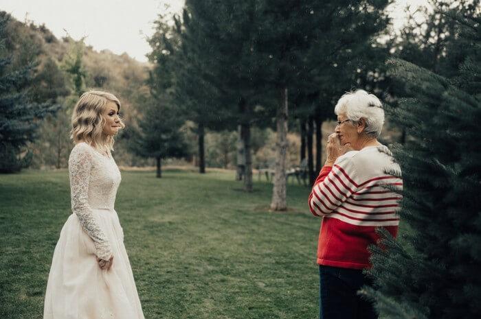 Noiva faz surpresa para avó (1)