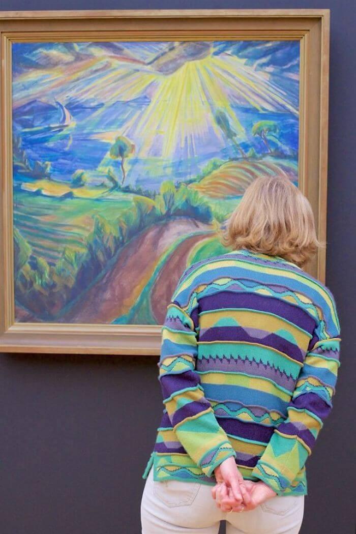 Pessoas combinam quadro museu (15)