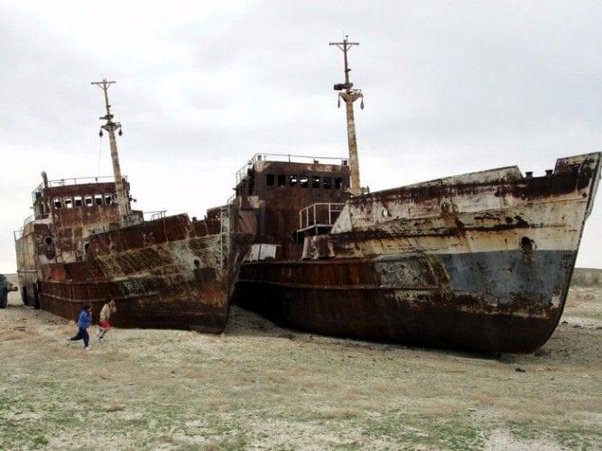 Fotos incríveis de cemitério de navios abandonados no Uzbequistão (5)