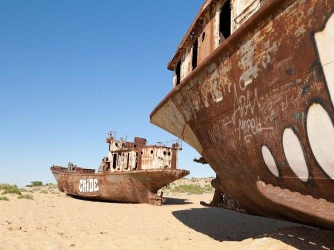 Fotos incríveis de cemitério de navios abandonados no Uzbequistão (4)