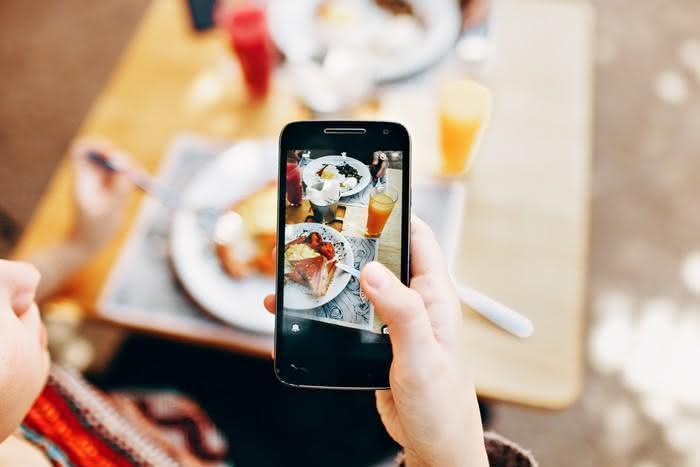 Por que não deixar suas crianças com iPads durante as refeições
