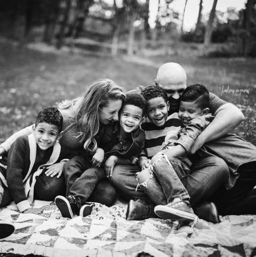 Casal americano adota 4 órfãos brasileiros (8)