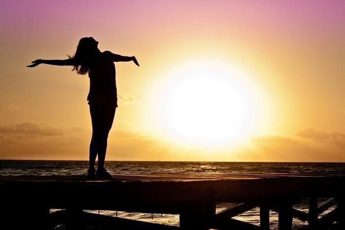 Não deixar sua mente divagar é a chave para a felicidade, sugere estudo