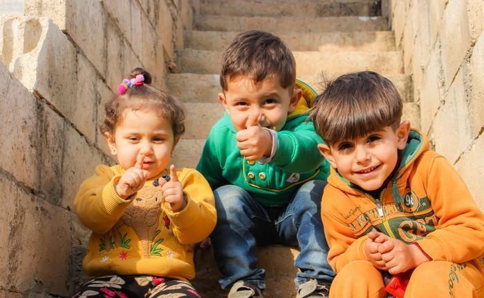 Como inspirar seus filhos a serem mais generosos