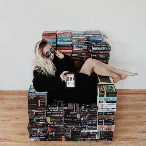 fotos criativas com livros  (12)