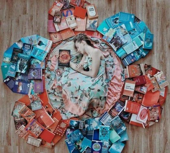 fotos criativas com livros  (6)