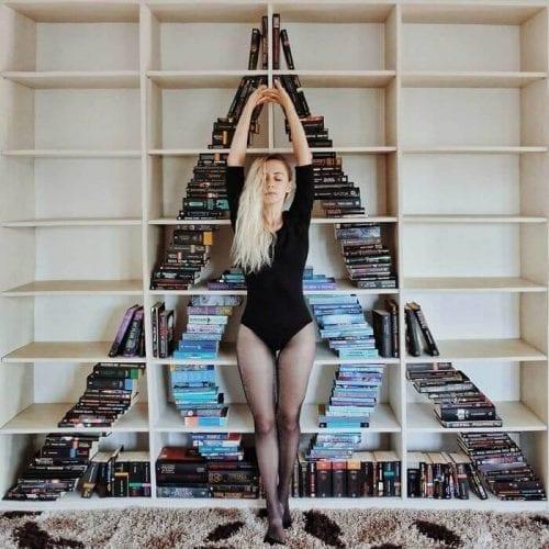 fotos criativas com livros  (2)