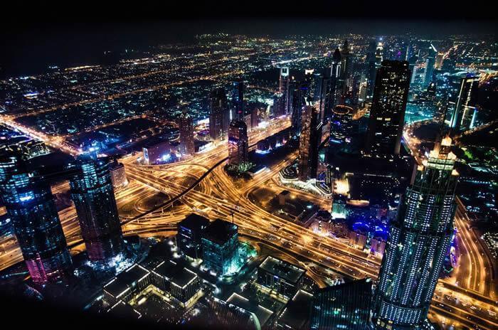lua artificial nas ruas da china para reduzir eletricidade